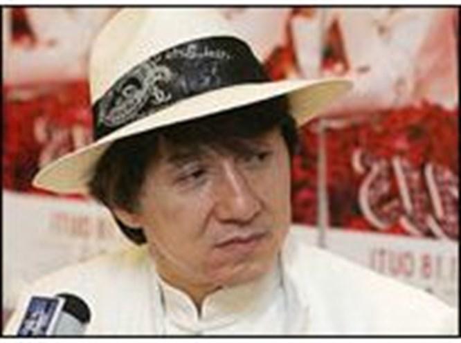 Jackie Chan hastanelik oldu